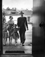 Fred MacMurray with his wife, June, and their twin daughters, mid 1950s